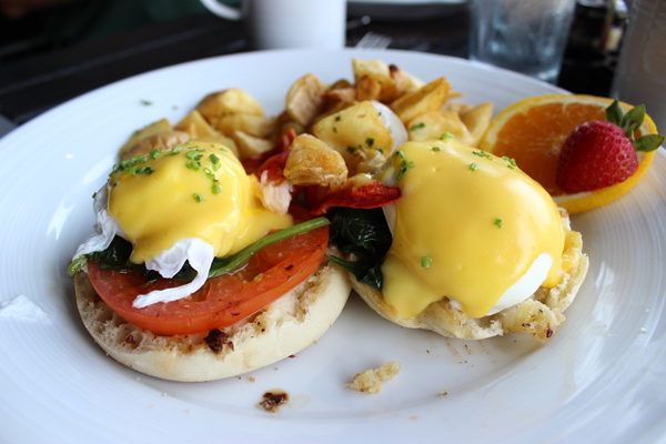 Lobster-Eggs-Benedict-Bar Harbor-Maine