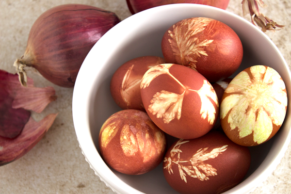 Onion-Dyed-Eggs